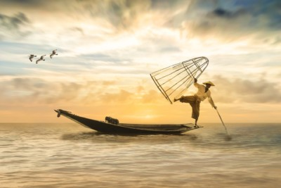 fisherman-2739115_1920